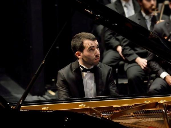 Matías Ferreira (piano)