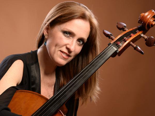 Violonchelista Virginia Aldado
