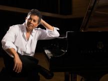 Luis Pérez Aquino (piano)